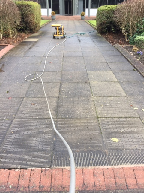 Paving – Cleaning and Restoration: Jet Washing